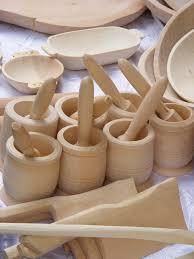 Khokloma woodcarving
