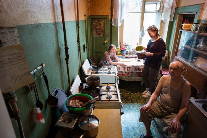 Kommunalka kitchen